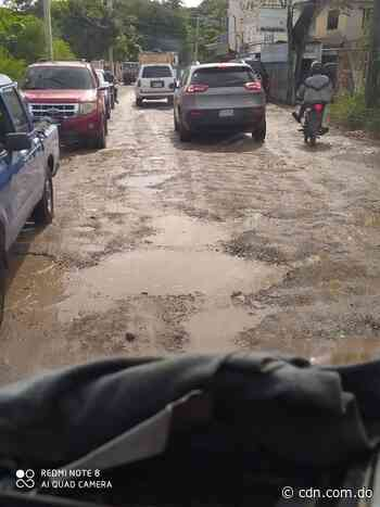 Comunitarios del sector Hato Nuevo exigen el asfalto de sus calles - CDN