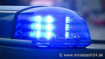 Am 9. Juni wurde ein betrunkener Autofahrer aus Burghausen bei einer Polizeikontrolle mit einer Flasche Whi... - innsalzach24.de