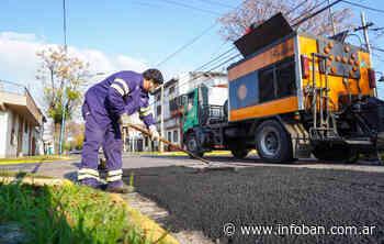 Avanzan los trabajos de bacheo y asfalto en Villa Adelina - InfoBan