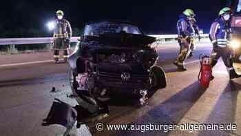 Autofahrer prallt auf der A8 bei Burgau gegen ein Baustellenfahrzeug - Augsburger Allgemeine