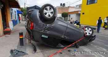 Zapopan. Volcadura de auto con lesionado en San Isidro Ejidal - Telediario Guadalajara