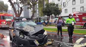 San Isidro: taxi chocó contra bus del Corredor Azul en la avenida Arequipa - LaRepública.pe