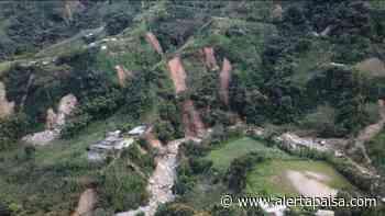 68 familias fueron evacuadas en Santo Domingo, Antioquia tras deslizamientos generados por la quebrada Santa Gertrudis - Alerta Paisa