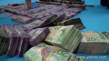 FBI uses messaging app to arrest hundreds in organized crime sting - Yahoo! Voices