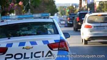 Increíble accidente en pleno centro de San Martín de los Andes - Minuto Neuquen