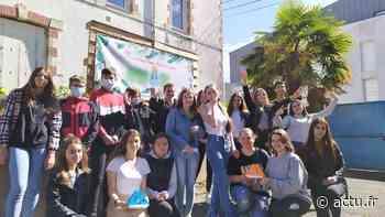 Des lycéens de Blain champions de la mini-entreprise avec leurs ampoules recyclées en vases - actu.fr