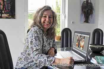 """Passion für digitale Kunst: Gabi Hampe aus Rosengarten erhält Kulturpreis """"Blauer Löwe"""" des Kreises Harburg - Kreiszeitung Wochenblatt"""