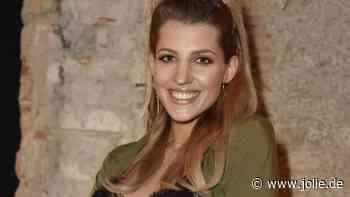 Sarah Harrison: DESHALB vermuten Fans, dass Baby Nummer 3 unterwegs ist