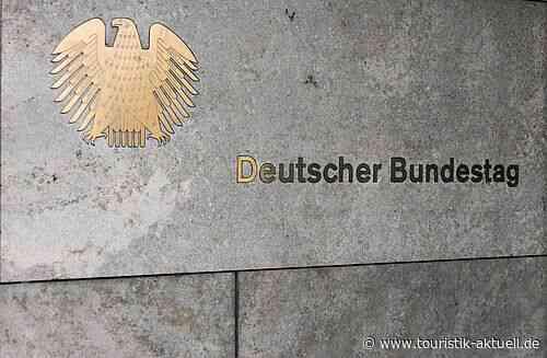 Bundestag bringt Reisesicherungsfonds auf den Weg