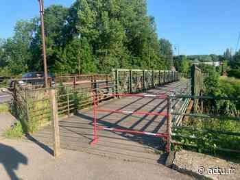 À Esbly, la passerelle du canal de Meaux à Chalifert va être transformée en piste cyclable - La Marne