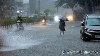 Mumbai rains: Roads flooded, public transport hit as heavy rains pound city - mid-day.com
