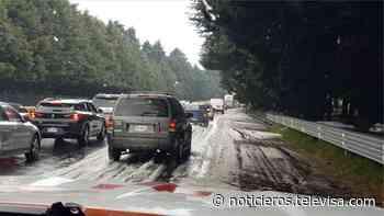 Lluvia y granizada sorprenden a conductores en la México-Cuernavaca - Noticieros Televisa