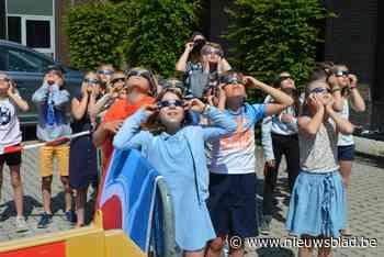 Deze schoolkinderen waren getuige van hun eerste zonsverduis... (Nazareth) - Het Nieuwsblad