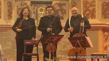 """MONDOVI'/ Musica del trio d'archi """"Il Furibondo"""" per ricordare le vittime del Covid - Cuneocronaca.it"""