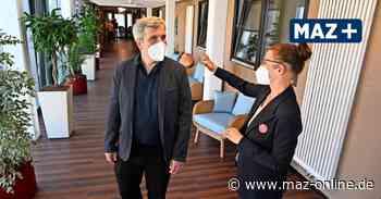 Bürgermeister Laesicke zu besuch bei Domino World in Oranienburg - Märkische Allgemeine Zeitung