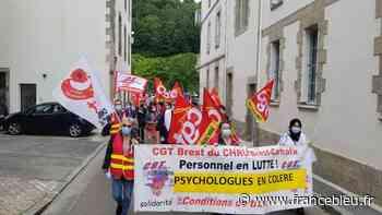 Près de 200 psychologues mobilisés à Quimper pour défendre leur profession - France Bleu