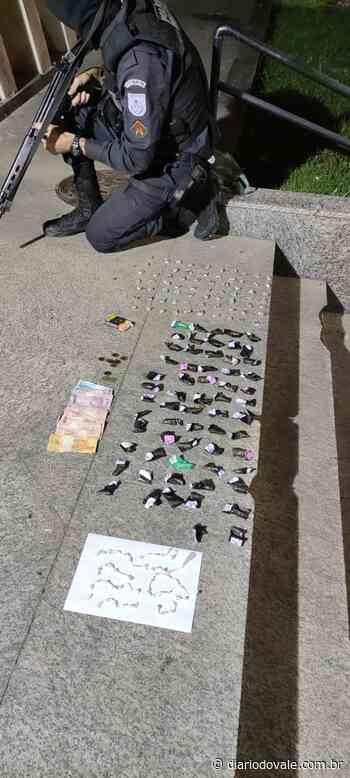 Jovens são detidos pela PM com material do tráfico em Resende - Diario do Vale