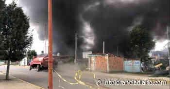 San Pedro Cholula: arde bodega de químicos para elaborar colchones - Intolerancia Diario