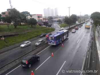 Rodovia Régis Bittencourt com lentidão entre Itapecerica da Serra e Embu das Artes - Via Trolebus