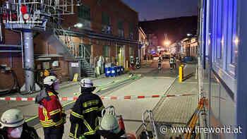 D: Gefahrguteinsatz in Herdecke → etwa 1.000 Liter lösemittelhaltiger Klarlack ausgetreten - Fireworld.at