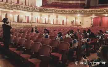 Estudantes de Duque de Caxias vão ao Theatro Municipal pela primeira vez - O Dia
