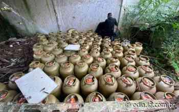 Carga com 162 botijões de gás é recuperada em Duque de Caxias - Jornal O Dia