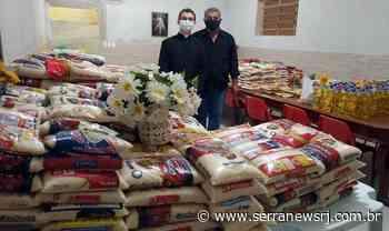 Fiéis doam quase 2 toneladas de alimentos durante Corpus Christi em Cantagalo - Serra News