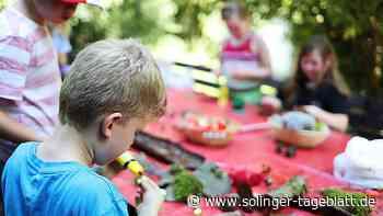 Kinder erleben Abenteuer in der Natur