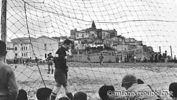 """Il Museo di Fotografia Contemporanea di Cinisello Balsamo rende omaggio al calcio con la mostra """"Chi non s... - La Repubblica"""