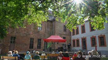 Corona in Oder-Spree: Corona-Inzidenz sinkt weiter, Burg Beeskow bekommt dennoch ein mobiles Testzentrum - moz.de