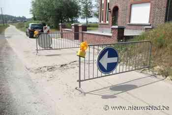 Zon duwt betonvakken omhoog en maakt Heirbaan nog gevaarlijker - Het Nieuwsblad