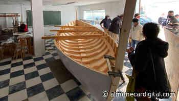 Acuerdan fomentar el uso deportivo del remo en la barca de jábega - Almuñécar Digital