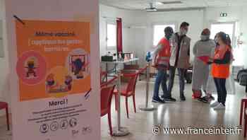 À Sevran, la Croix-Rouge combine distribution alimentaire et vaccination - France Inter