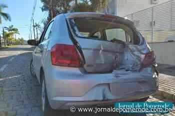Caminhão colide contra carro, na Avenida 21 de Janeiro - Jornal de Pomerode