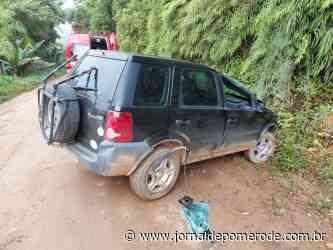 Homem fica ferido após capotar carro, em Jaraguá do Sul - Jornal de Pomerode
