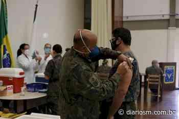 Vacinas da Covid-19 são aplicadas em militares de Santa Maria - Diário de Santa Maria