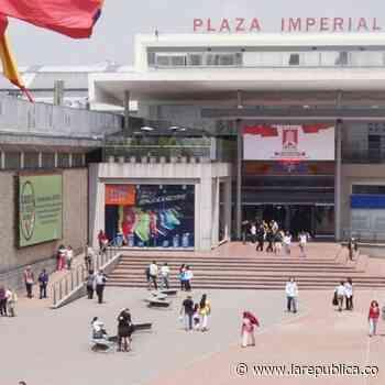 Centro comercial Plaza Imperial abrió uno de los puntos de vacunación más grandes - La República