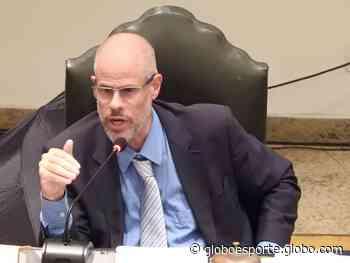 Secretaria do Vasco recebe recurso de Roberto Monteiro e Valentim contra expulsão - globoesporte.com
