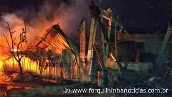Bombeiros de Forquilhinha contribuem no combate a incêndio em indústria de Criciúma - Forquilhinha Notícias