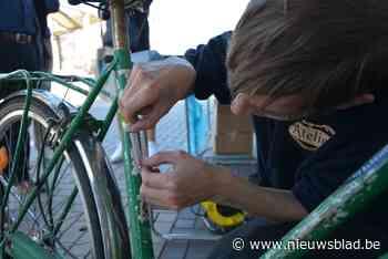 Politie labelt fietsen aan bibliotheek (Kruibeke) - Het Nieuwsblad