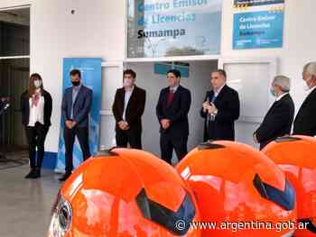 Santiago del Estero: inauguración de un Centro Emisor de Licencias y entrega de cascos para motociclistas - Argentina.gob.ar Presidencia de la Nación