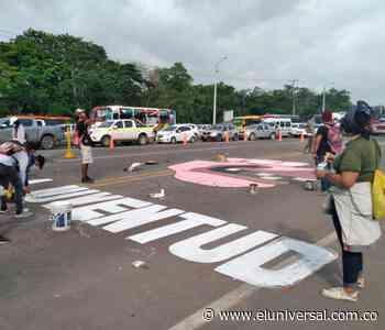 Paro nacional: bloqueo en cuatro carriles del peaje de Turbaco - El Universal - Colombia