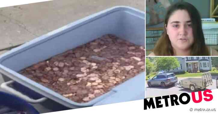 Father dumps 80,000 pennies as last child support payment to mother and daughter