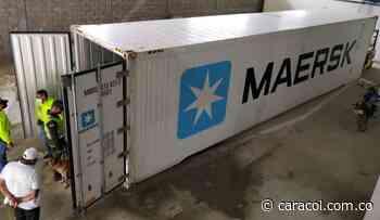 Agentes antidrogas y la DEA decomisan cargamento de droga en Santa Marta - Caracol Radio