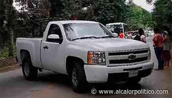 Bloquean vendedores carretera Coatepec-Xico por presunto abuso de Tránsito - alcalorpolitico