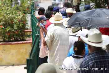 En El Roble, Mazatlán, aplican segunda dosis de vacuna contra el Covid-19 a mayores de 60 años - Noroeste