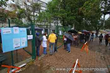 Porto Alegre reduz postos e suspende drive-thrus para vacinação nesta sexta - Jornal do Comércio