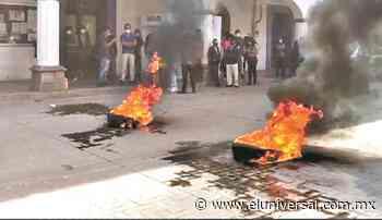 Consejeros electorales de Tlaxcala se salvan de ser quemados | El Universal - El Universal