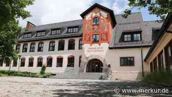 Mittelschule Oberammergau nun denkmalgeschützt: Streng, gehorsam, wehrhaft - Merkur Online