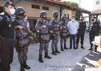 CACOAL: homenageado em formatura, Fúria entrega armamentos e equipamentos à Polícia Militar – Extraderondonia.com.br - Extra de Rondônia